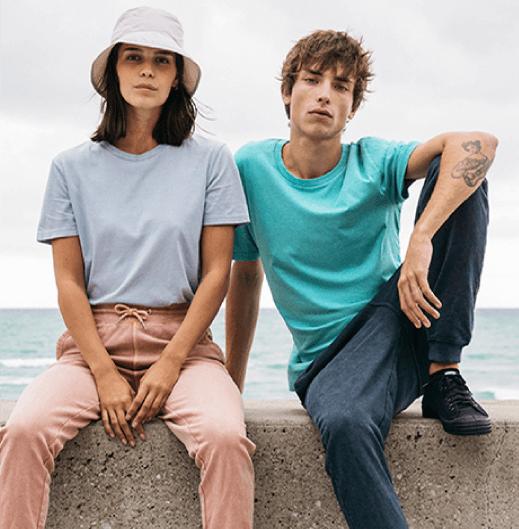 Блузи, суичъри и тениски за двойки